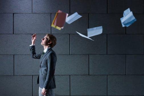 چند جمله طلایی که تصمیم گیری برای ترک شغل را راحت میکند
