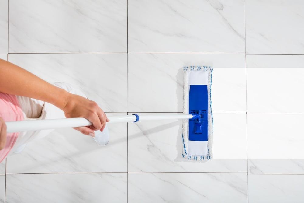 نحوه ی تمیز کردن سرامیک کف اتاق
